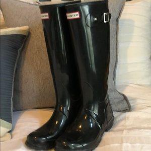 Hunter Tall Glossy Black Boots US 9 women's 8 men